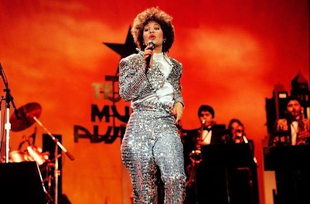 Indiegogo plan needs $500k to put holographic Selena on tour