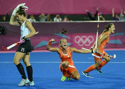 Hockey - Las Leonas argentinas, plata tras perder con Holanda