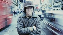A fond farewell: Remembering Elliott Smith, 15 years after his tragic and mysterious death