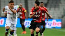 Santos defende pênalti e garante vitória do Athletico-PR contra o Bahia