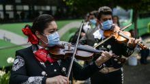 VIDEO   La monumental serenata llevada a médicos y enfermeras que luchan contra el coronavirus en México