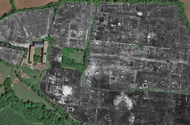 Archaeologists map an ancient Roman city without any digging