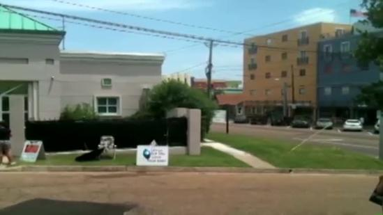 Abortion clinic fights to stay open