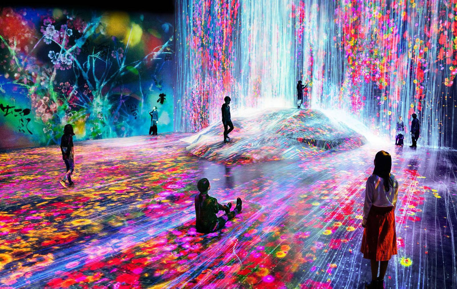 Become One With Art At Tokyo S Psychedelic Digital Museum Engadget