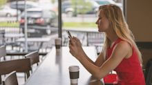 Compras pelo celular crescem durante a Black Friday; vale a pena?