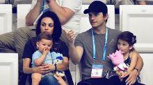 Mila Kunis y Ashton Kutcher en primera salida pública con sus hijos