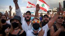 Explosions à Beyrouth: la ville marque la minute de l'explosion, une semaine après