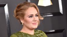 Adele, casi irreconocible en estas imágenes playeras