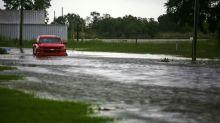 """Huracán Laura azota Louisiana: meteorólogos advierten de """"insalvable"""" pared de agua"""