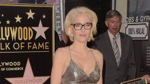 Gillian Anderson cambiará su melena rubia por una de color gris