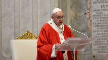 """El papa critica a quien """"no paga lo justo"""" a sus trabajadores durante la pandemia"""