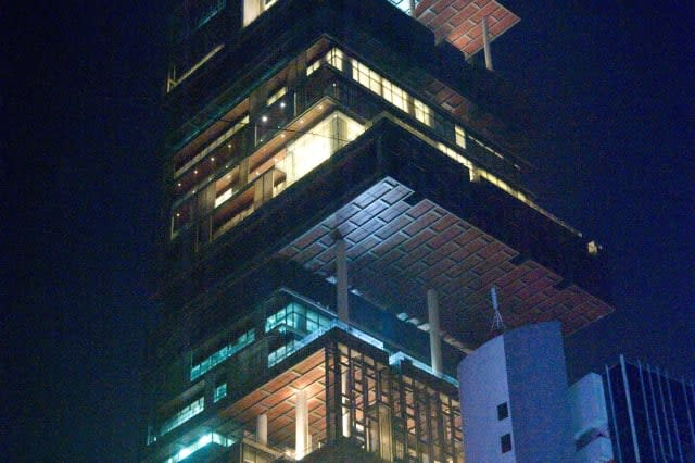 Building of Mukesh Ambani home Antilia, Mumbai, Maharashtra, India, Asia