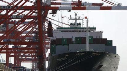 El superávit comercial de Japón bajó un 19 % en junio
