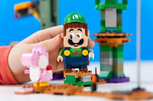 Lego adds a Luigi set to its Super Mario collection