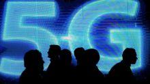 Pétition et recours devant le Conseil d'Etat : des ONG à l'attaque de la 5G