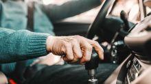 Sassari, 86enne evade dai domiciliari per andare al night club