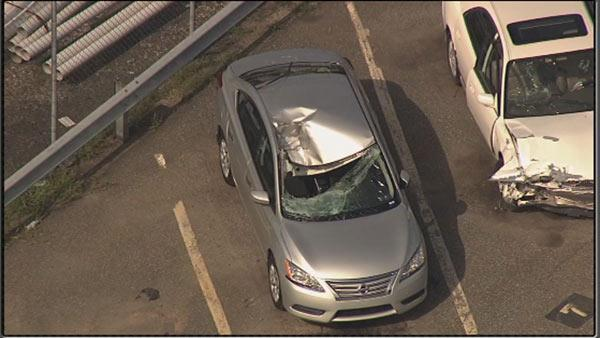 Driver injured by flying tire on Schuylkill Expressway