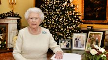 Here's what the Queen gives her staff for Christmas