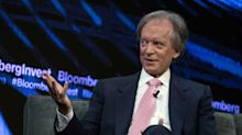 Bill Gross Says Investors Should Play Defense as Stimulus Ebbs