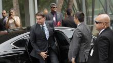 Acusado de agredir jornalistas, Bolsonaro decide não dar mais entrevistas