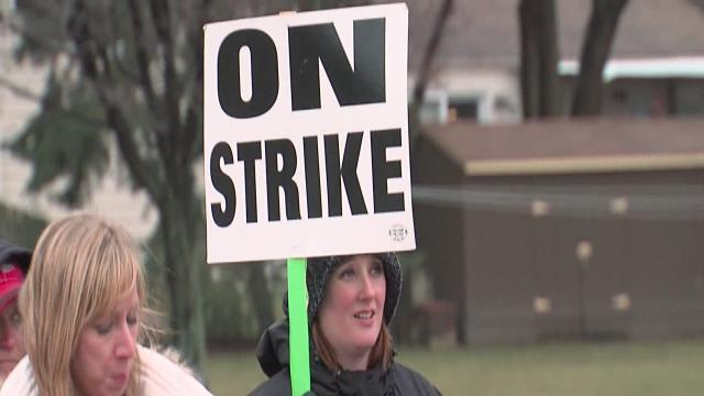 Strongsville teachers' strike stretches into third week