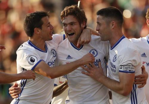 Chelsea domine Bournemouth et maintient l'allure