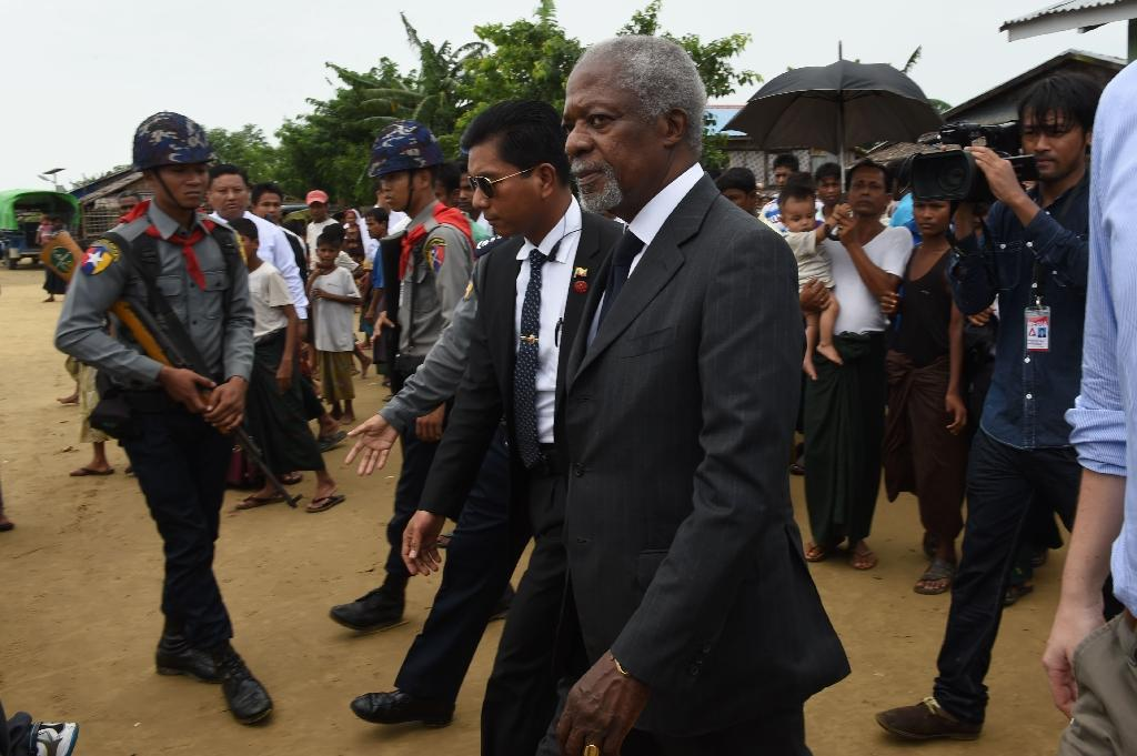A commission led by former UN secretary general Kofi Annan (C) called on the Myanmar government to close displacement camps in strife-torn Rakhine state (AFP Photo/ROMEO GACAD)