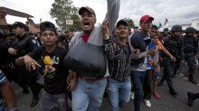 Honduran migrant caravan crosses Guatemala border, US-bound