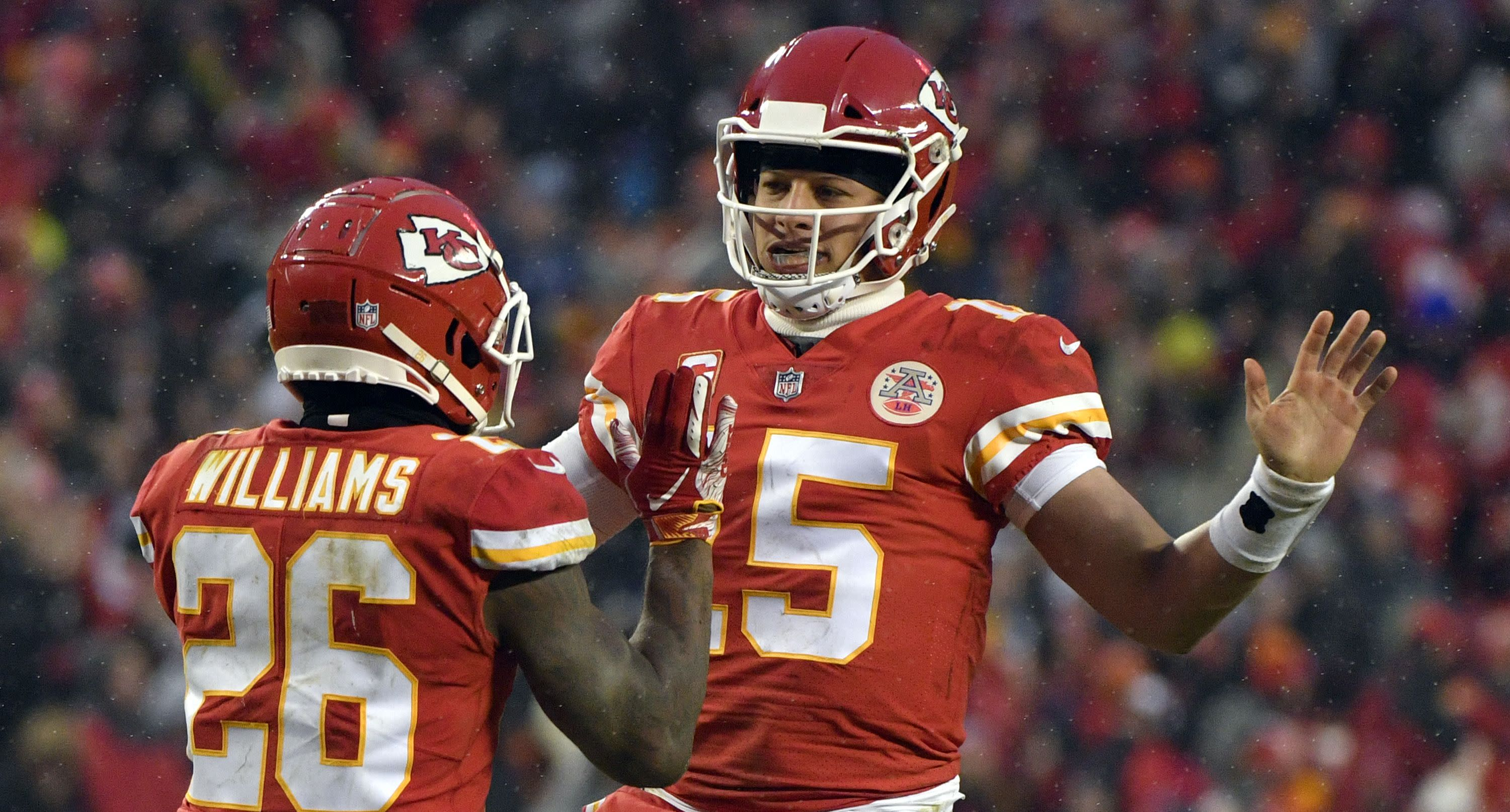 Chiefs erase playoff demons with authority