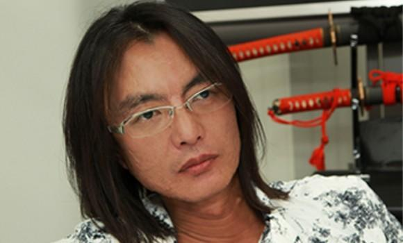 Solved mysteries: Itagaki's leather jacket and sunglasses
