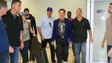 Arnold Schwarzenegger enfrenta problemas na imigração ao entrar no Brasil