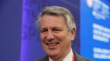 Shell CEO does not rule out moving headquarters to Britain