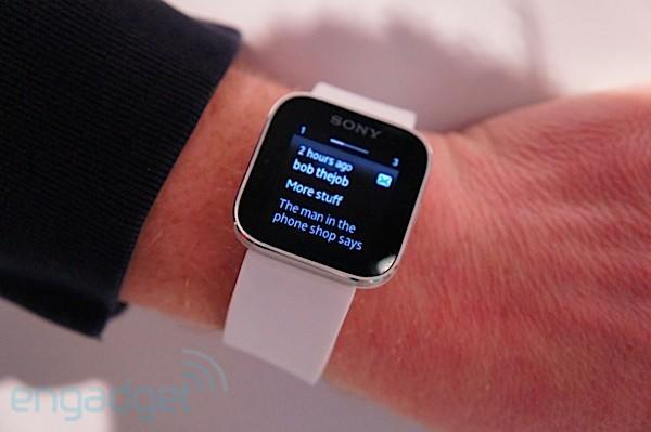 Sony SmartWatch hands-on (video)