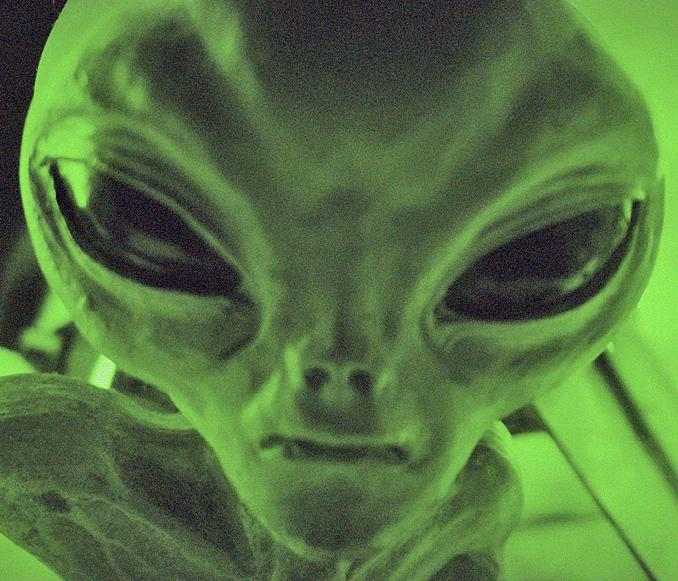 meeting with a alien Ufo phenomenon meetings with remarkable aliens part 2 of an article in which linda moulton howe talks to  jim sparks about his life-changing encounter with reptoid aliens, whose message for saving planet earth may veil their true intentions.