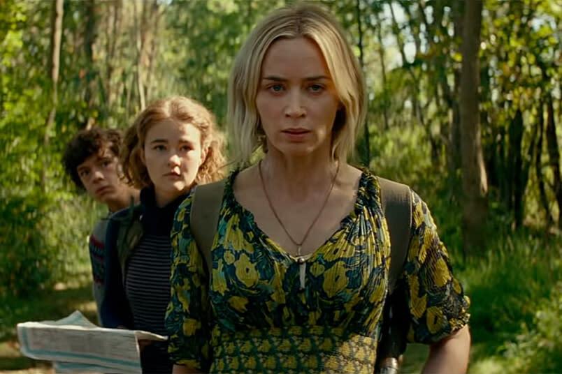 <strong>第三名:《噤界II》</strong><br>上映日期:2021-04-23<br><br>原定今年3月20日在台上映的驚悚電影《噤界II》,因受到新冠病毒疫情影響,在上映當週緊急宣佈退檔,改至9月4日上映,接著又再延到隔年4月23日,開出了好萊塢電影原訂上映卻臨時喊卡的第一槍。<br><br>這部以「發出聲音就會死」作為題材的驚悚片,在2018年一上映便斬獲了優異的票房表現,堪稱小兵立大功。原定今年上映的續集電影也同樣備受期待,卻因疫情影響而不得不延檔。希望疫情能盡快獲得控制,好讓觀眾在一年後能如願在大銀幕與《噤界II》相見。