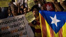 Barcellona, 200mila in piazza contro arresto indipendentisti