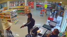 Mexican samaritan wearing cowboy hat tackles armed robber
