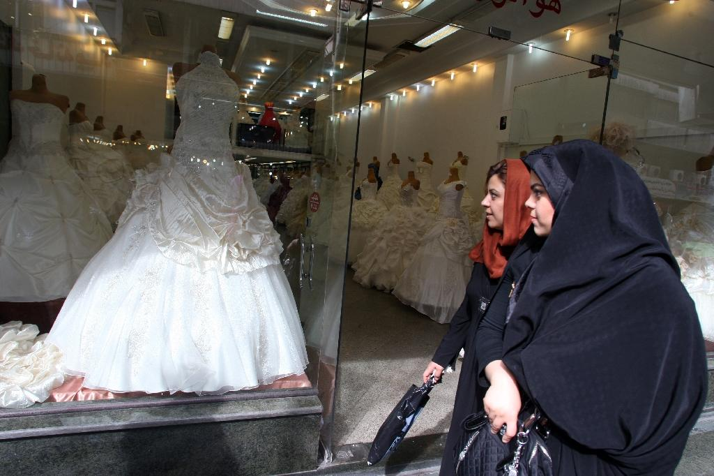 No More Jail For Iranian Men Who Can T Pay Dowry