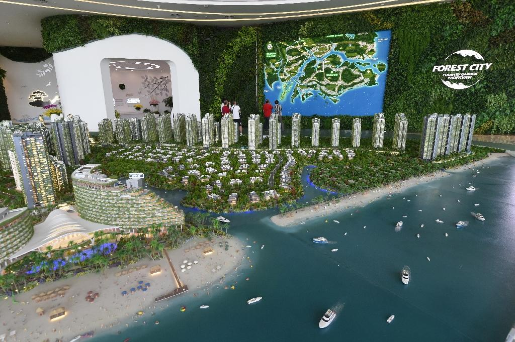 Reclaimed city off Singapore triggers ecology fears
