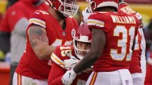 Chiefs beat Browns, lose Mahomes to concussion