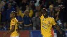 El delantero colombiano Julián Quiñones refuerza al Atlas del fútbol mexicano