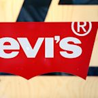 Levi's begins trading, valued at $6.6 billion
