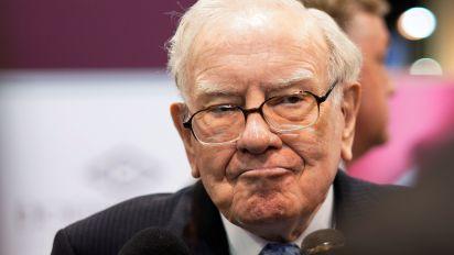 Buffett: stock buybacks make 'nothing but sense'