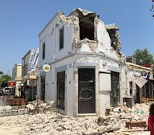 Powerful earthquake hits Greece and Turkey