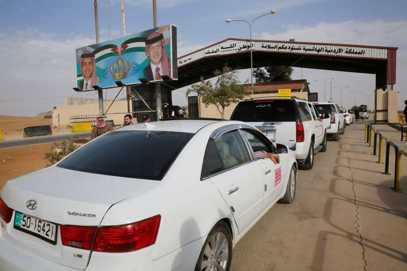 Jordan to fully reopen main crossing with Syria this week - Yahoo News