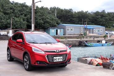 「上駟對下駟」策略、Luxgen U6 GT 智遊特仕版殺進小型 SUV 市場!