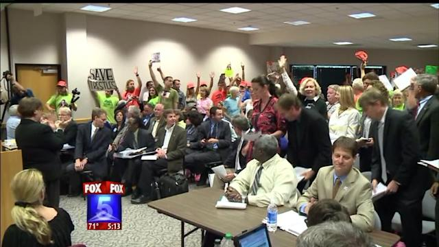 Trestles Supporters Pack Toll Road Proposal Meeting