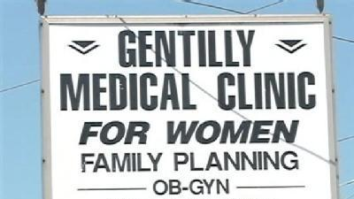 Men Rob Gentilly Women's Clinic