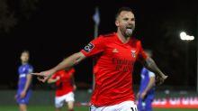 Doblete de Seferovic da la victoria al Benfica