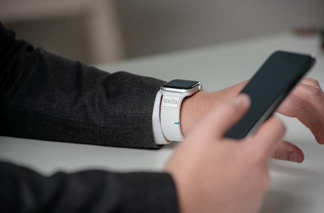 This gesture-sensing band could make the Apple Watch more accessible